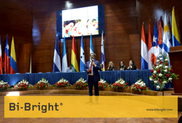 "Bi-Bright presenting ""The Benefits of the Interactive Whiteboard in the classroom"" at Virtual Educa Bolivia 2017"