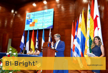Bi-Bright speaking at Virtual Educa Bolivia 2017 closing session